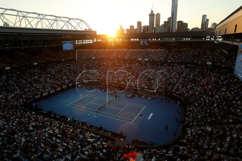 General view of the Rod Laver Arena during the men's singles quarter final match between Novak Djokovic of Serbia and Kei Nishikori of Japan at the Australian Open Grand Slam tennis tournament in Melbourne, Australia, 23 January 2019. EPA-EFE/DAVID CROSLING AUSTRALIA AND NEW ZEALAND OUT