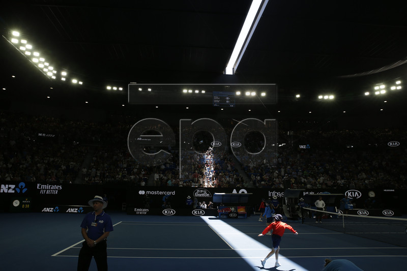 The roof of Rod Laver Arena closing due to extreme heat during the women's singles semifinal match between Petra Kvitova of Czech Republic and Danielle Collins of USA at the Australian Open Grand Slam tennis tournament in Melbourne, Australia, 24 January 2019. EPA-EFE/MAST IRHAM