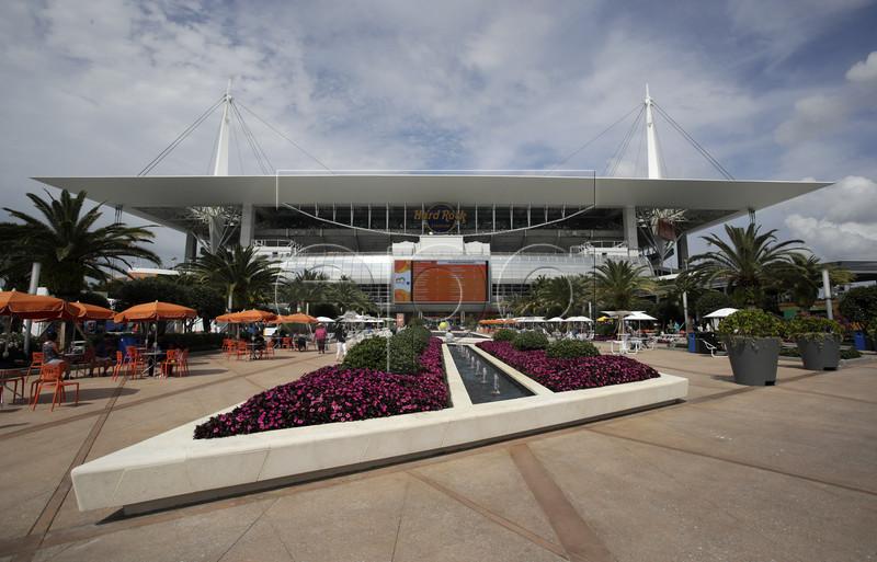 A general view of Hard Rock Stadium at the Miami Open tennis tournament in Miami, Florida, USA, 18 March 2019. EPA-EFE/JASON SZENES