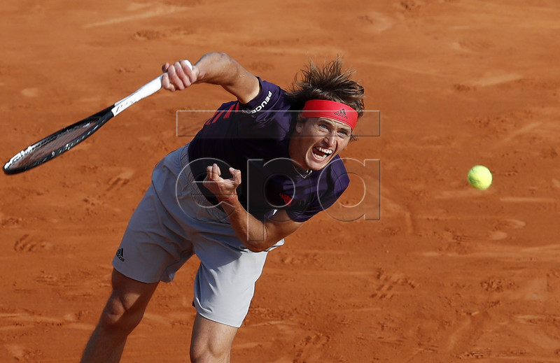 Alexander Zverev of Germany in action during his third round match against Fabio Fognini of Italy at the Monte-Carlo Rolex Masters tournament in Roquebrune Cap Martin, France, 18 April 2018. EPA-EFE/SEBASTIEN NOGIER