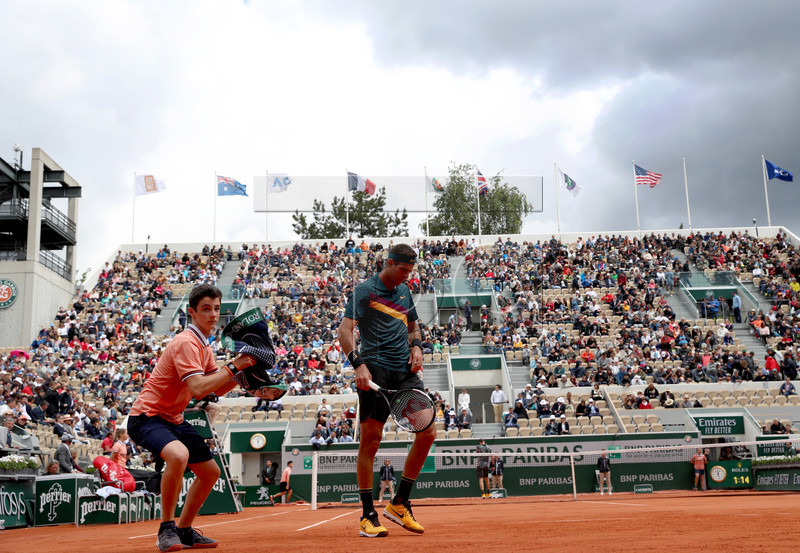 Juan Martin Del Potro of Argentina plays Nicolas Jarry of Chile during their men?s first round match during the French Open tennis tournament at Roland Garros in Paris, France, 28 May 2019. EPA-EFE/SRDJAN SUKI